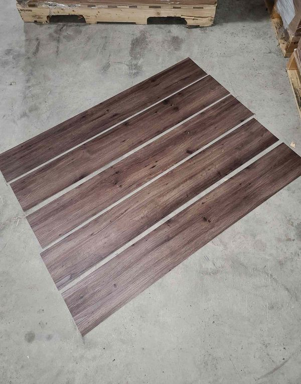 Luxury vinyl flooring!!! Only .60 cents a sq ft!! Liquidation close out! Z