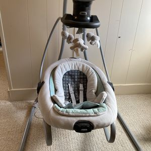 Graco DuetSoothe Swing for Sale in Philadelphia, PA