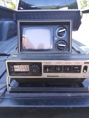 Panasonic portable radio and tv for Sale in Brooklyn, OH