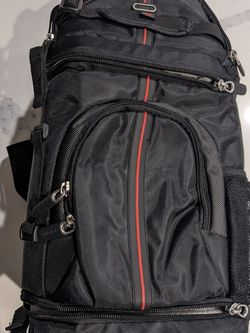 Targus Digital TGC-SBM200 SLR Digital Camera Sling Bag - Medium for Sale in Long Beach,  CA