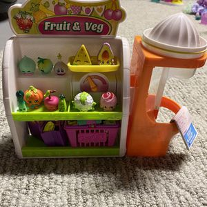 Shopkins Fruit and Veg Collection (2nd one) ((with bonus shopkins)) for Sale in Tabernacle, NJ