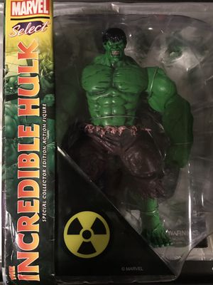 Marvel Diamond Select Incredible Hulk Action Figure for Sale in Philadelphia, PA