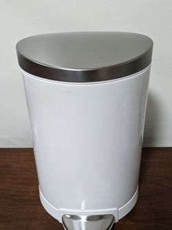 Simple Human 6L Step Trash Can for Sale in Brooklyn,  NY