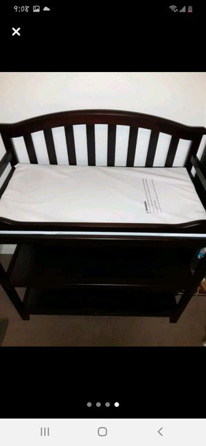 Changing table for Sale in St. Petersburg, FL