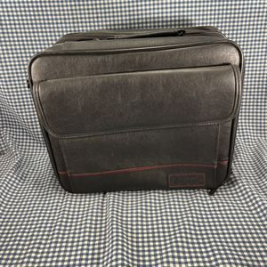 Targus CUN1 Leather Laptop Case for Sale in Seattle, WA