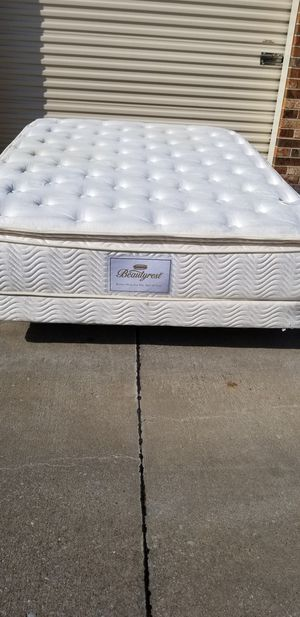 QUEEN BEAUTYREST PILLOWTOP BED for Sale in Frisco, TX