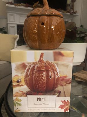 Pier 1 Fragrance Ceramic Warmer- Still in its box! for Sale in Diamond Bar, CA