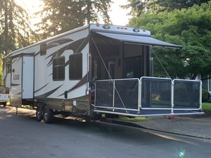 2015 Heartland Edge 357ED Toy Hauler for Sale in Tualatin, OR