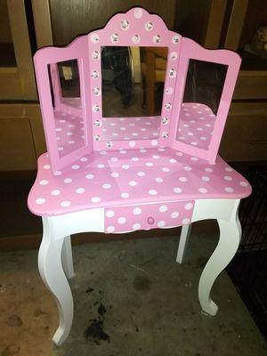 Little vanity for Sale in Fresno, CA