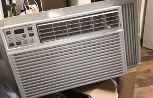 Window Air Unit !! BEST OFFER!!! NO LOW BALLS for Sale in Murfreesboro, TN