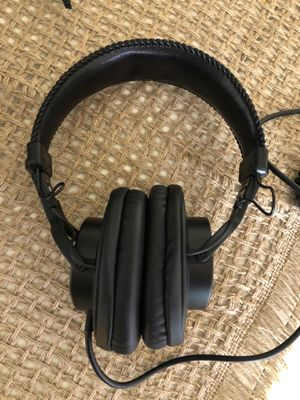 Sony MDR-7506 Studio Headphones for Sale in Wheaton, MD