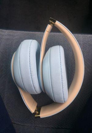 Beats, headphones, studio3, wireless for Sale in Chicago, IL