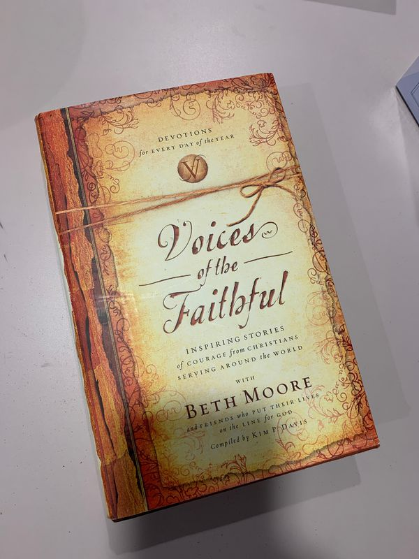 Voices of the Faithful. Beth Moore. Like New.
