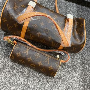 Luxury-like Purse With Small Purse for Sale in Union City, CA