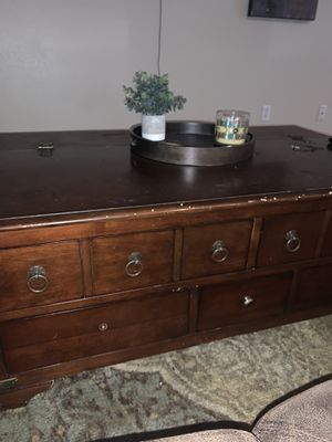 Coffee table for Sale in Milton, FL