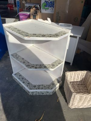 Book shelf (small) for Sale in Ceres, CA