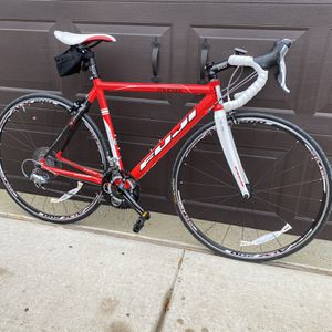 Fuji Roubaix 52cm Carbon ! Used A Few Times!! for Sale in Haslet, TX