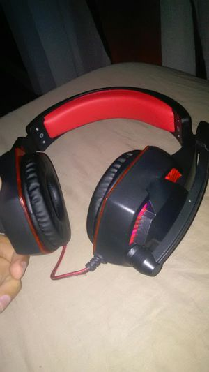 gaming headphones for Sale in Lauderdale Lakes, FL