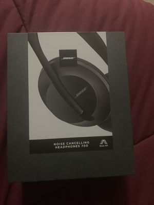 Bose noise cancelling headphones 700 for Sale in Kissimmee, FL