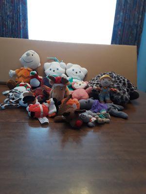 Stuffed animals 19 various sizes. Pick-up Warren Michigan. for Sale in Warren, MI