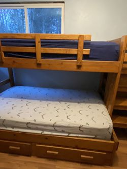 Full Bunk Bed for Sale in Corbett,  OR
