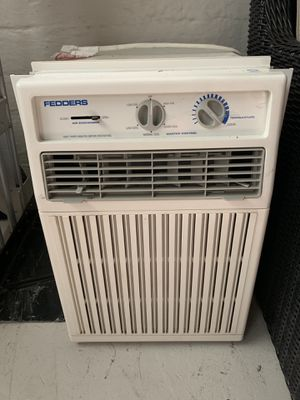 Fedders vertical window AC unit. for Sale in Stickney, IL