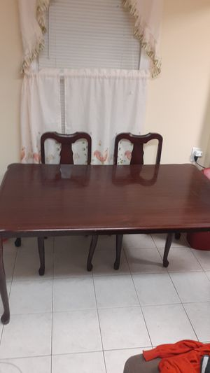 Kitchen table with 4 chairs for Sale in Waterbury, CT