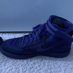 Pair Of Purple Nikes Mens Size 10.5 for Sale in Bothell, WA