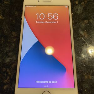 iPhone 8 Plus Unlocked Mint Condition for Sale in Chandler, AZ