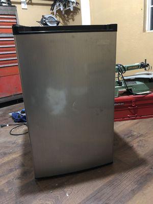 Arctic mini fridge for Sale in Modesto, CA