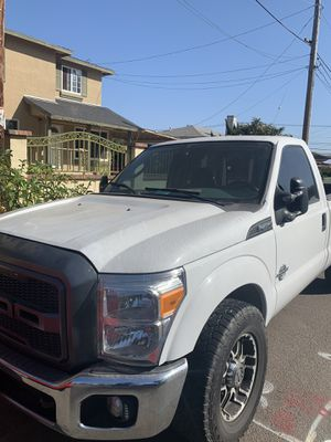 2005 Ford F-350 SUPER DUTY for Sale in Lincoln Acres, CA
