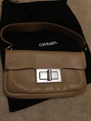 Chanel square quilted Reissue flap bag (tan) for Sale in Great Falls, VA