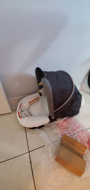 Baby car seat , swing , and more. In good conditions. for Sale in Homestead, FL