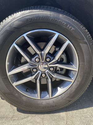 18 inch oem Jeep rims for Sale in Rowland Heights, CA