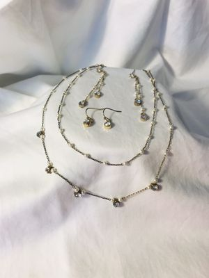 Necklace and two sets earrings of matching earrings pearl and diamond looking costume/formal jewelry for Sale in Hoffman Estates, IL