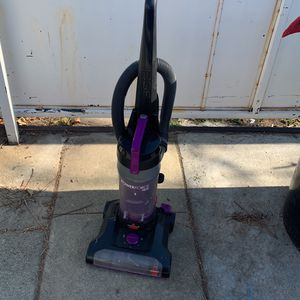 Bissell Powerforce Helix Vacuum for Sale in Upland, CA