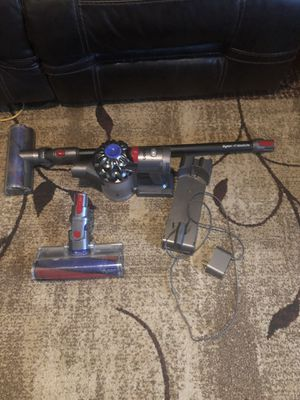 Dyson v7 for Sale in Raleigh, NC