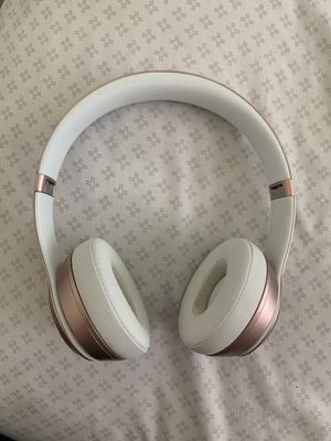 Rose Gold Beats Headphones Wireless for Sale in Long Beach, CA