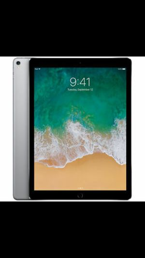 Apple pro tablet 2 generation 256gs black unlocked for Sale in El Monte, CA