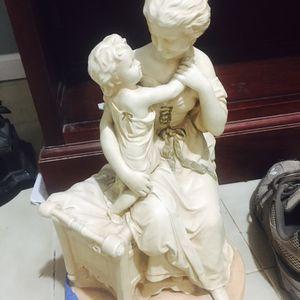 Estatua for Sale in Rockville, MD