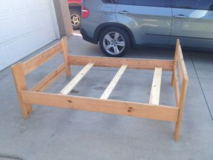 Wooden Full Size Bed frame for Sale in Moreno Valley, CA