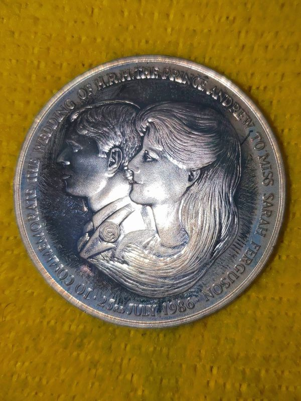 RARE SOLID SILVER MEDALLION Prince Andrew Commemorative Wedding