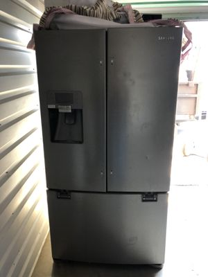 Samsung refrigerator for Sale in Fontana, CA