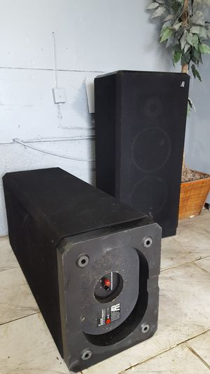 Vintage acoustic research ar94r floor speakers for Sale in Airmont, NY
