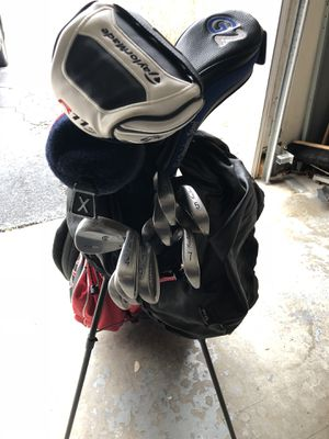 Used Golf club Set (right handed) with accessories excellent condition for Sale in Annandale, VA