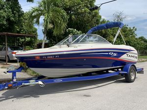 2014 Tahoe Q5i Bowrider for Sale in Miami Gardens, FL