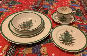 Spode Christmas Tree 6-piece Place Setting for 12 for Sale in Tacoma, WA