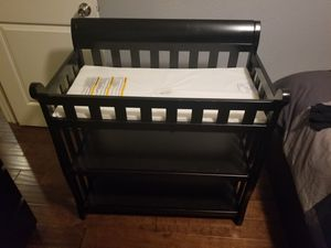 Black changing table for Sale in Long Beach, CA