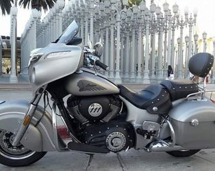 2017 Indian motorcycle Chieftain for Sale in Santa Ana,  CA