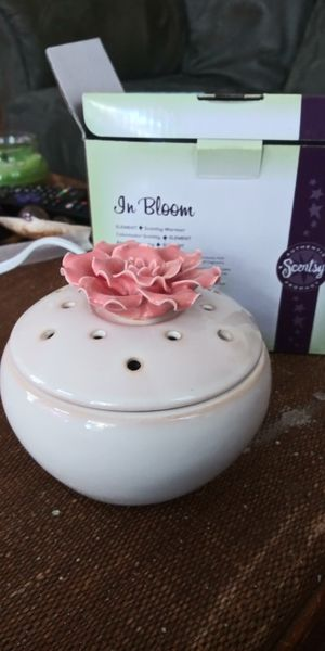 In Bloom Scentsy Warmer for Sale in Gulfport, FL